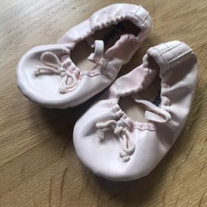 Baby gap ballet shoes pink 12-18